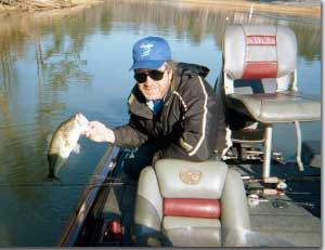 The floating worm ohio game fishing your ohio fishing for Best worms for fishing